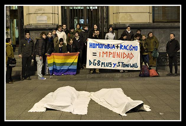03-03-2009-concentracion-contra-la-homofobia-_18