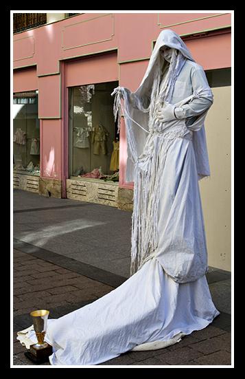 08-03-2009-artista-en-la-calle_1