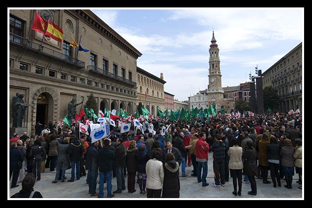 01-04-2009-concentracion-en-el-ayuntamiento_33
