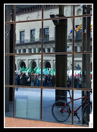 01-04-2009-concentracion-en-el-ayuntamiento_41