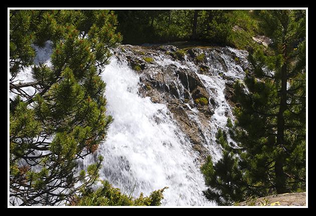 11-07-2009-haciendo-senderismo-por-el-pirineo_72