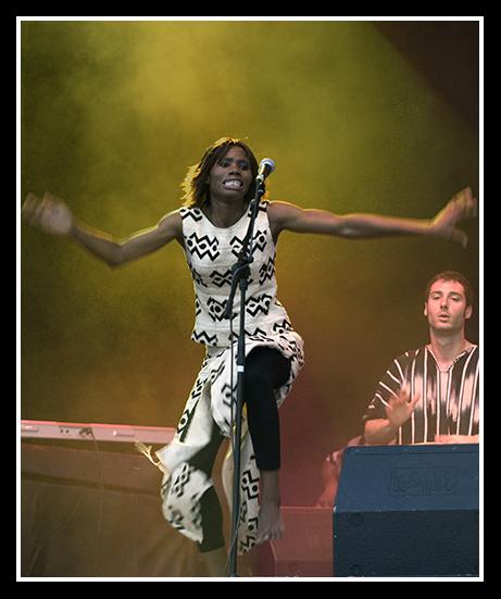 11-07-2009-makumba-beat_118