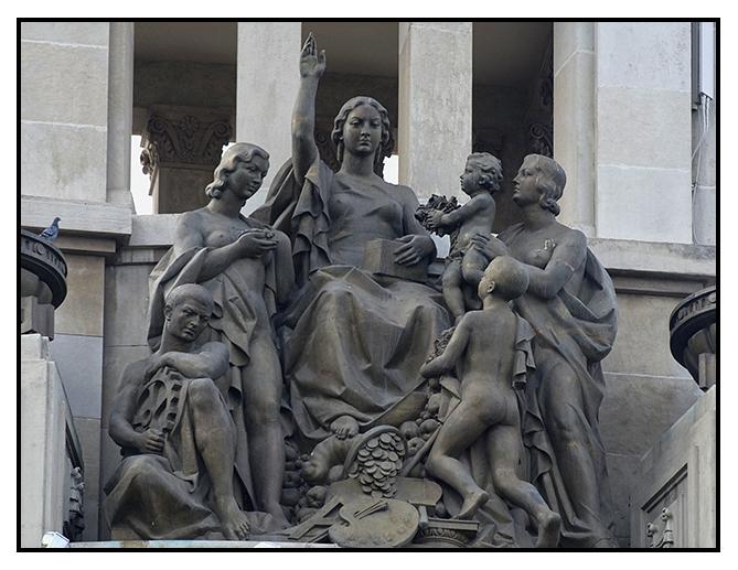 2009-10-25 esculturas de zaragoza_1