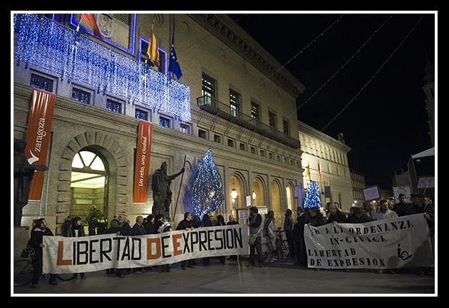 2009-12-03 concentración contra las ordenanzas cívicas_42