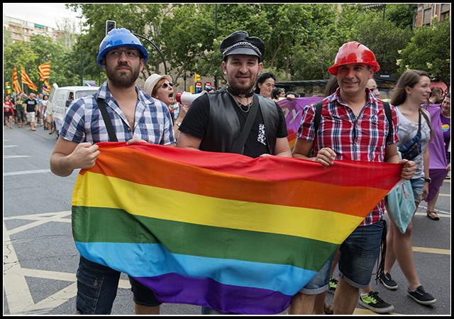 2014-06-28  gay-les._26